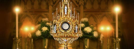 monstrance-4-men.jpg